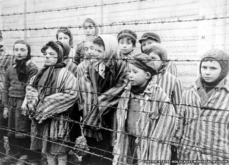 https://phamtayson.files.wordpress.com/2017/05/2e0f0-trai-tu-than-auschwitz.jpg